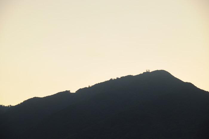 日の出前の比叡山
